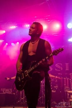 Rock_On!-Kissin'_Dynamite-Claudia_Chiodi-7
